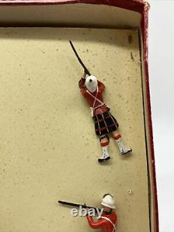 15 Britains Cameron Highlanders Soldiers Regiments All Nations Queens Piper