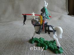 1/32 SWOPPET KNIGHT on WHITE HORSE