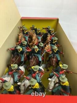 1st Ver. Britains Deetail 1971 7th U. S. Cavalry Set of 18 Figures lot ACW