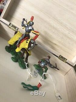 2 Britains swoppet knight Horseback (Rare) Yellow Blanket And Knight On Knees
