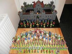 A100 Britains Deetail & Ltd Castle & Knights