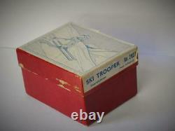 BRITAINS VINTAGE 1949-1959 VN MINT BOXED LEAD No. 2037 RARE SKI TROOPER 54mm