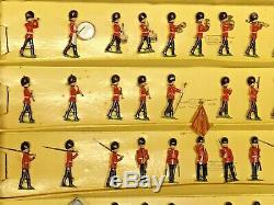 BRITAINS set #1555 CHANGING OF THE GUARD- boxed, complete, excellent condition