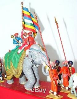 Britains 132 DELHI DURBAR JAIPUR STANDARD BEARER On ELEPHANT PARADE Set MIB`01