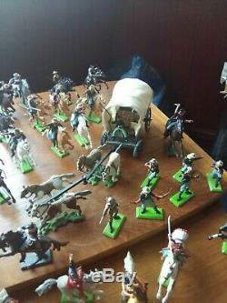 Britains 7th Cavalry. 20 Mounted. 6 Foot Soldiers. 6 Indians. C. Wagon. S. Coach