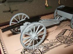 Britains 8898 Royal Navy Field Gun Landing Party 2 Tier Box Set in 54mm
