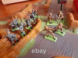 Britains BATTLEGROUND Ltd Deetail 4715 Army Group Bombed Buildings Set 4731 WWII