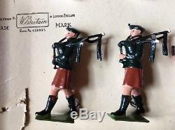 Britains Boxed Set 9428 Drum & Pipe Band Of The Irish Guards