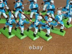 Britains Deetail, French Foreign Legion Infantry X 18. Plus Gattling Gun Crew