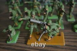 Britains Deetail Toy Soldiers Large Set 81 Pieces 1971