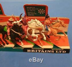 Britains Deetail Wild West Mounted Apaches on Original Shop Plinth Ref 7549