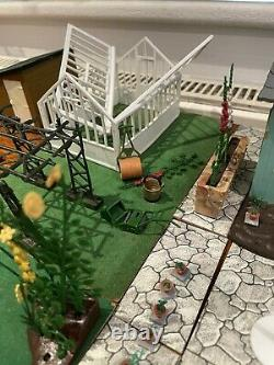 Britains Floral Garden Mixed Pieces Greenhouse Lawn Edging Ponds Beds Flowers