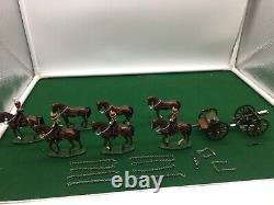 Britains Gloss 1/32 Scale Toy Soldier Royal Horse Artillery Mounted 40188