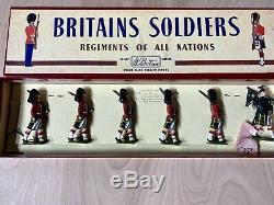 Britains Lead Toy Soldiers The Gordon Highlanders With Piper #77 Pre-Owned