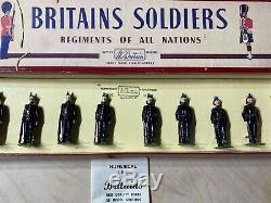 Britains Royal Irish Fusiliers Toy Soldiers Attention No. 1 Dress #2090