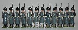 Britains Set #313 Lot of 12 Grenadier Guards Winter Dress From Set #313 S8