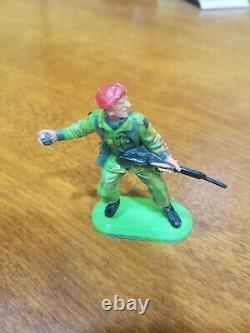 Britains Super Deetail British Paratroops Extremely Rare Lost Pose