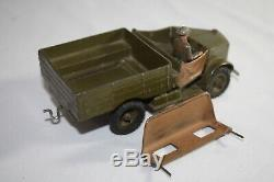 Britains Toy Soldiers CLOCKWORK Wind-Up Mechanical 3-Piece Beetle Lorry + Driver