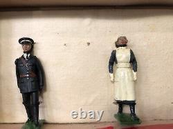 Britains VERY RARE Boxed Set 1426 St Johns Ambulance. 1938 Version