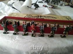 Britains Vintage Lead toy soldiers boxed Gordon Highlanders