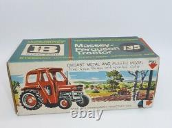 Britains Vintage Massey Ferguson Tractor 135 Item 9529