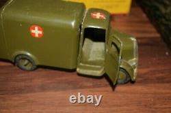 Britains rare Post War Set 1512 Army Ambulance Lead Figures excellent