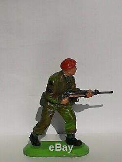 Britains super deetail Rare 1 x British Paratrooper Sergeant (Set 6314)