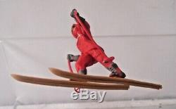 Herald H1299 Polar Skier Boxed Explorer Red Ski Figure Britains Plastic 1.32
