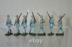 REPLICA MODELS PATRICK CAMPBELL BRITAINS WWI NETHERLANDS INFANTRY MARCHING x7 mv