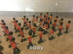 Rare Britains Herald 1/32 Scale Eyes Right 42 Piece Band of the Scots Guards