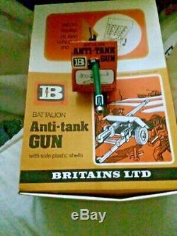 Rare Vintage Britains Battalion Anti Tank Gun Models Counter Display Box