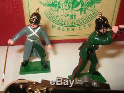 Trophy Miniatures CWS. 4 Crimean War, Russian Siege Battery & Crew & Redoubt etc
