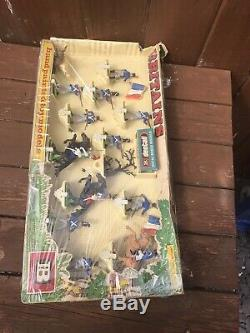Vintage And Rare Britains Napoleonic French Figures Boxed