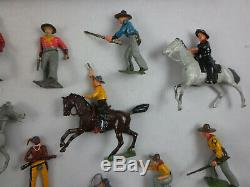 Vintage Britains Cowboys & North American Indians Toy Lead Soldiers with Box 208