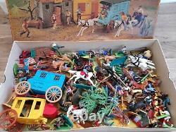 Vintage Timpo & Britains wild West cowboys, Indians plastic figures lot, toys