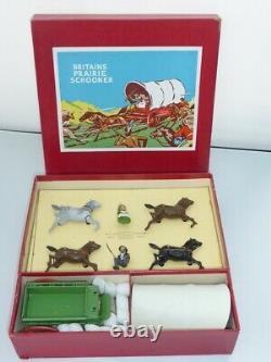 William Britains Vintage Prairie Schooner with Figures Boxed Item Number 2034