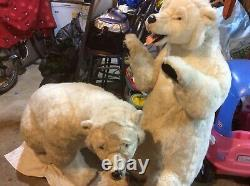 X2 Animatronic Polar Bears, Ideal For A Santas Grotto